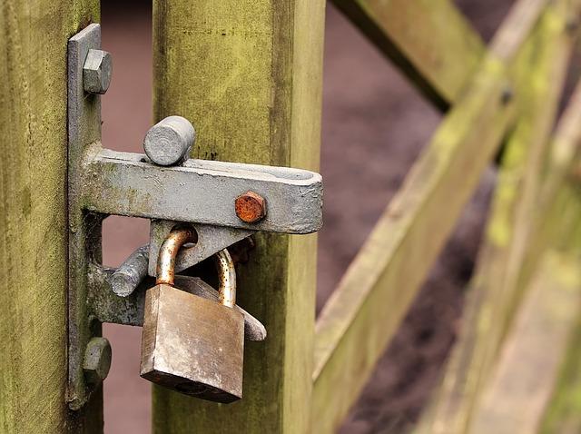locked-2143493_640